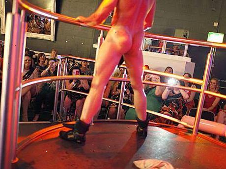 manlig strippklubb